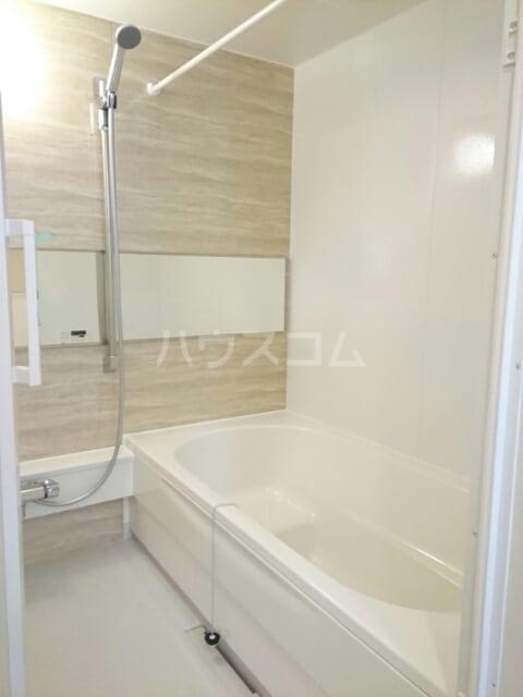 シャルマン・ドミール Ⅲ 02040号室の風呂