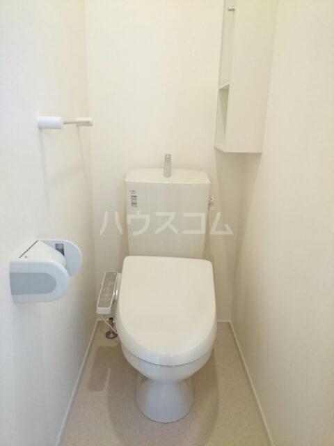 シャルマン・ドミール Ⅲ 02040号室のトイレ
