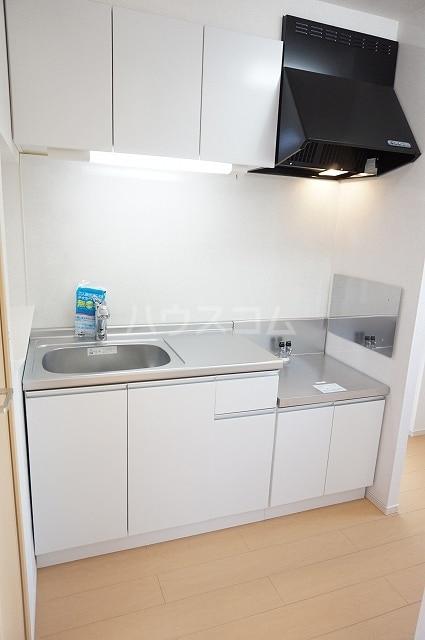 ルーベル上林 A 02010号室のキッチン