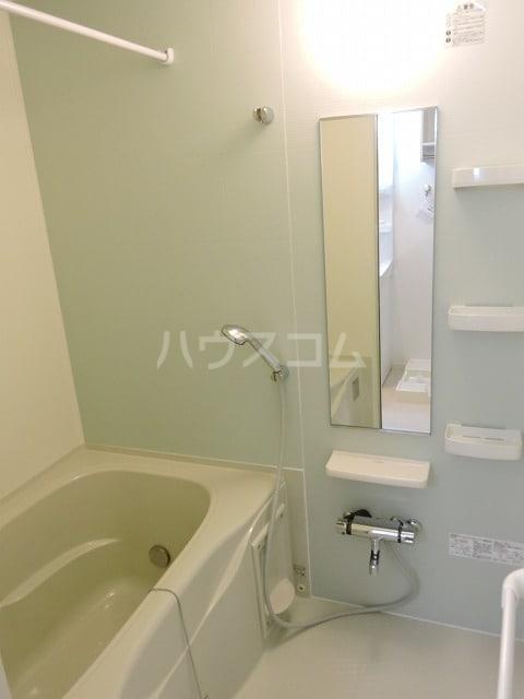 クレール ハピネスA 02010号室の風呂