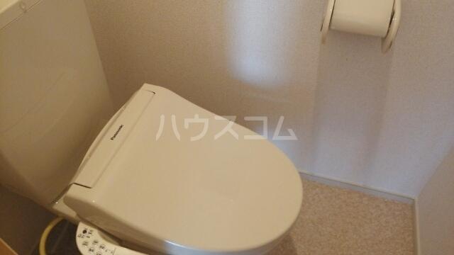 ソレイユ アルカンシェルA 01020号室のトイレ