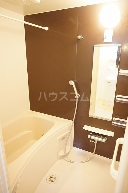 メゾン ブライト B 02030号室の風呂