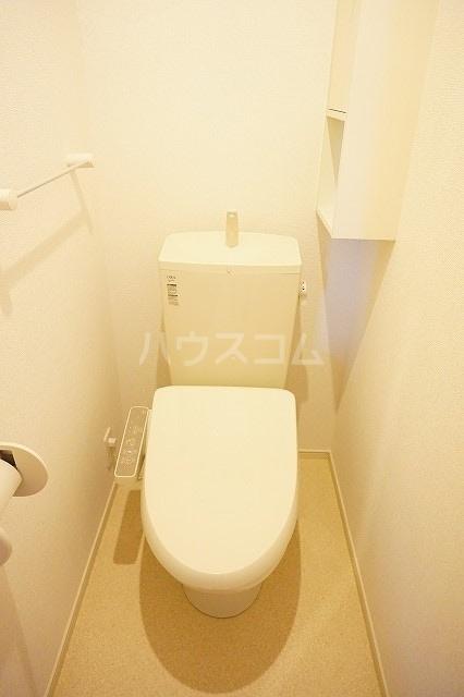 メゾン ブライト B 02030号室のトイレ