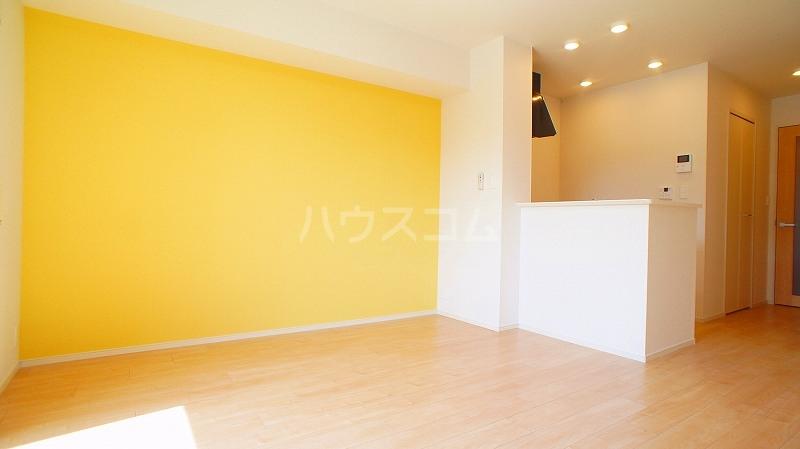 グランレジデンス 01020号室の居室