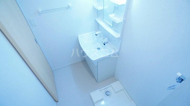 グランレジデンス 01020号室の洗面所