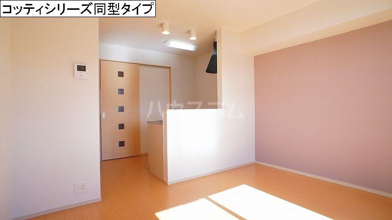 シンフォニー 02030号室のリビング