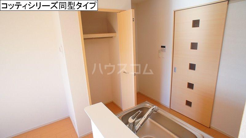 シンフォニー 02030号室の洗面所