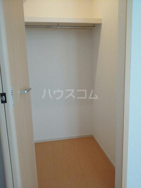 ラフレシール香久山 01030号室の収納