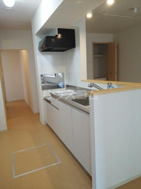 ラフレシール香久山 01030号室のキッチン
