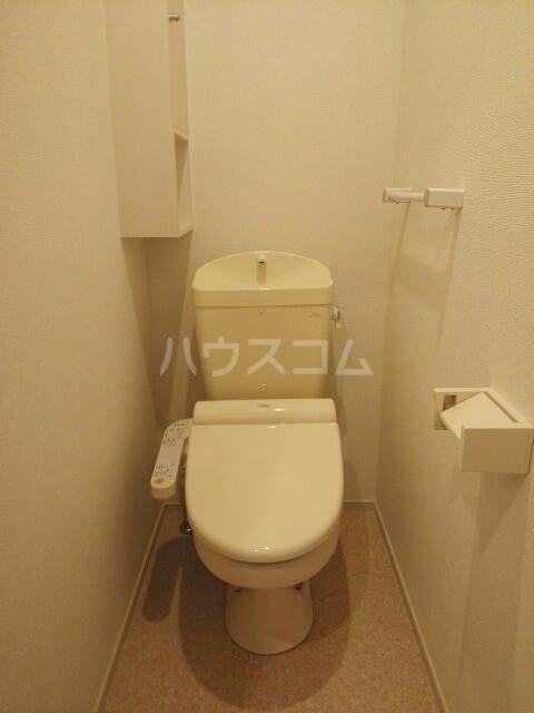 ラフレシール香久山 01030号室のトイレ