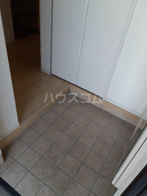 プロディジュー 01010号室の玄関