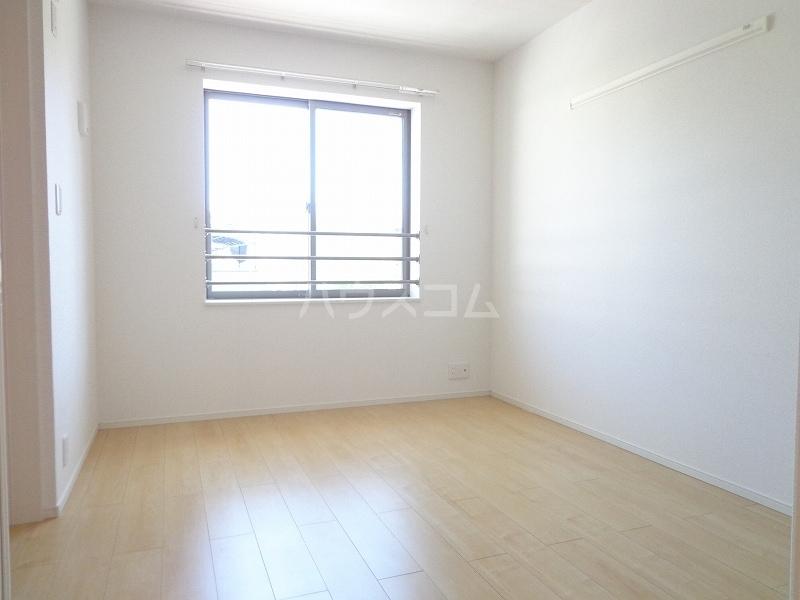 ジョイフル 02030号室の居室