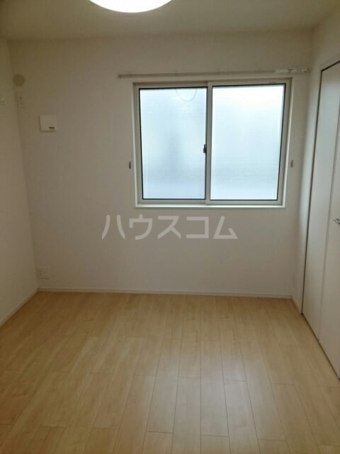 アンディーK.K 01010号室のベッドルーム