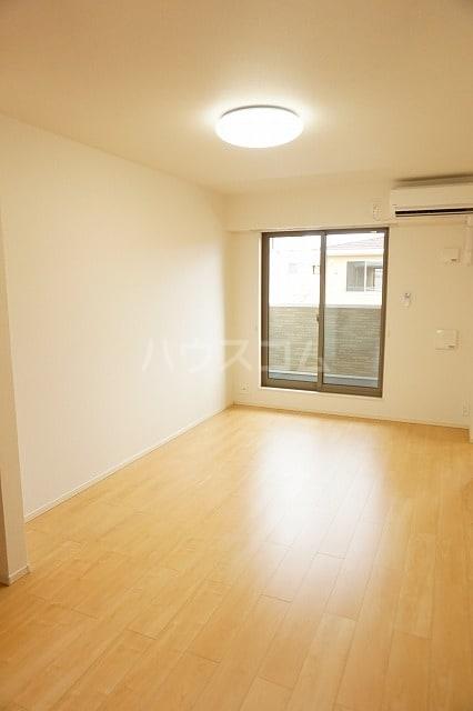 ルーベル太田B 02030号室のリビング