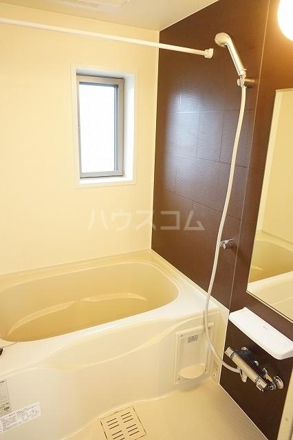ルーベル太田B 02030号室の風呂
