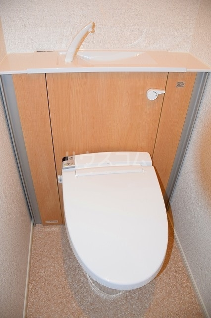 リバーサイド・大江 03040号室のトイレ