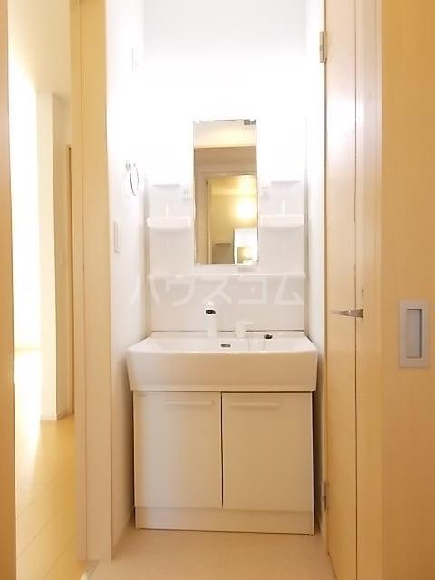 コルソ アロッジオM Ⅰ 01020号室の洗面所