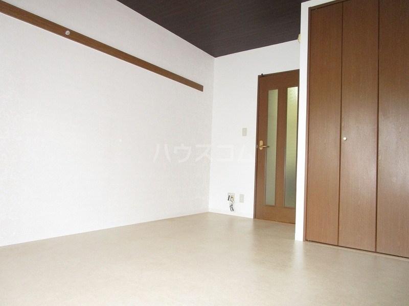 サンテラス植松 103号室のベッドルーム