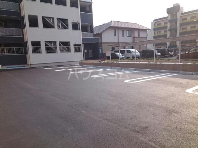 ディアコート 大宮 01030号室の駐車場