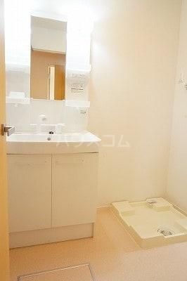 グローレC 02030号室の洗面所