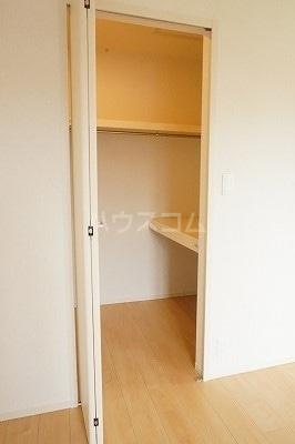 グローレC 02030号室の収納