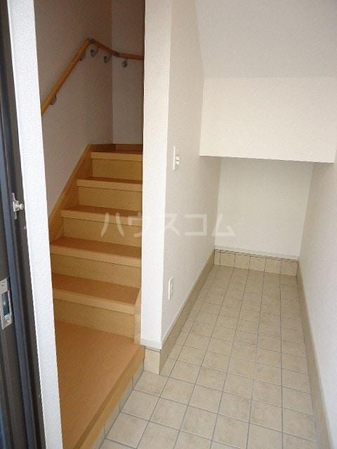 ブラウベルク浦里 03030号室の玄関