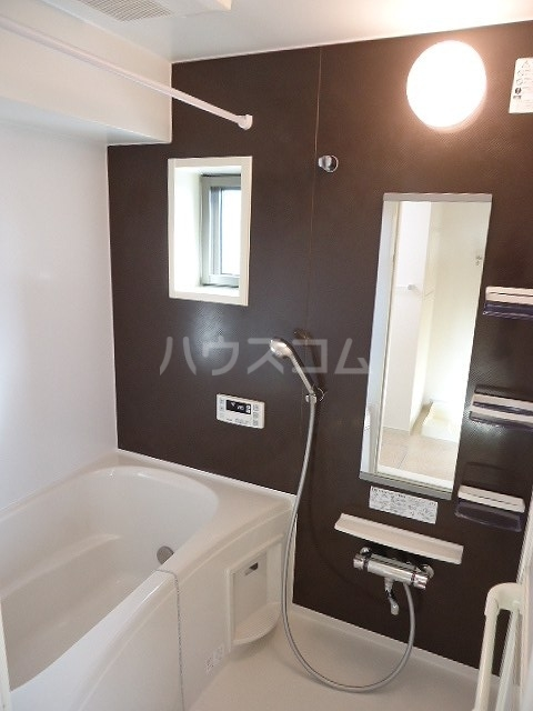 ブラウベルク浦里 03030号室の風呂
