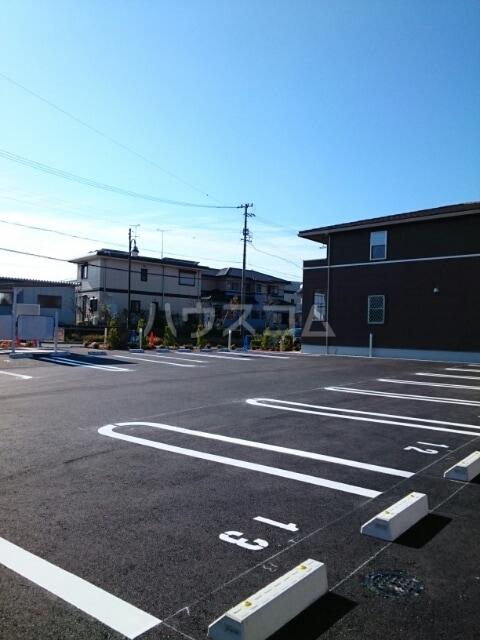 ステージ桜 02040号室の駐車場