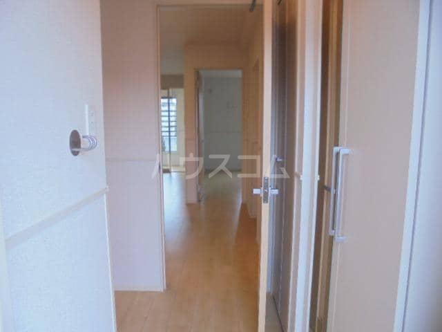 アリエッタⅡ 01020号室の玄関