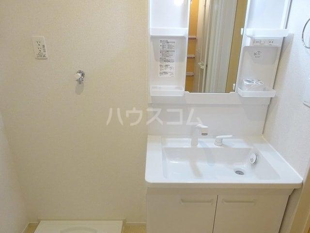 ベルベル Ⅰ 02010号室の洗面所