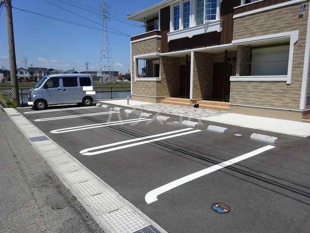 ベルベル Ⅰ 02010号室の駐車場