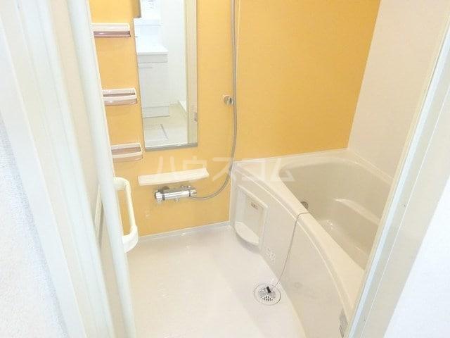 ベルベル Ⅰ 02010号室の風呂
