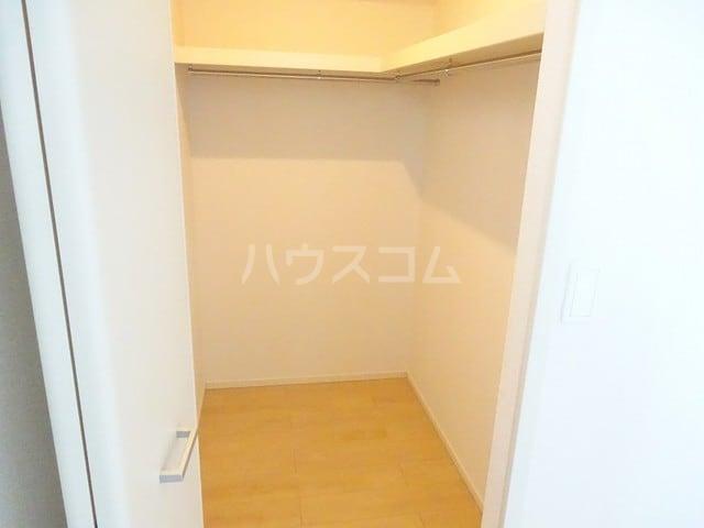 ベルベル Ⅰ 02010号室の収納
