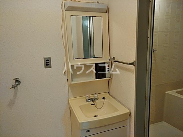 六角シティハイツ 203号室の風呂
