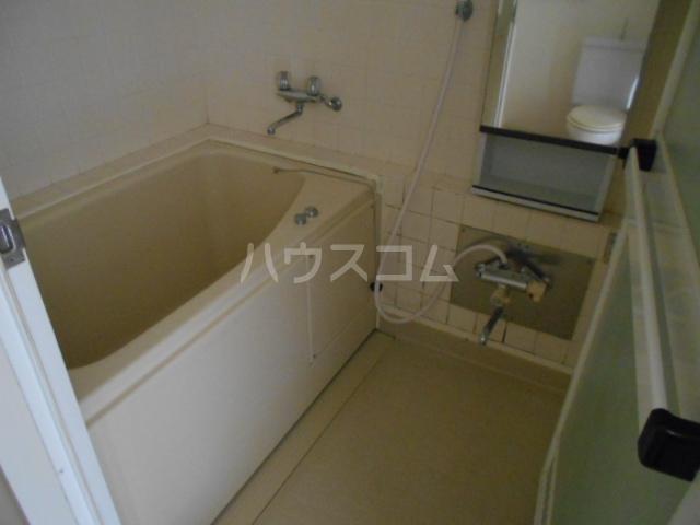 グランフェリオ小田原 207号室の風呂