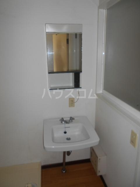 グランフェリオ小田原 207号室の洗面所