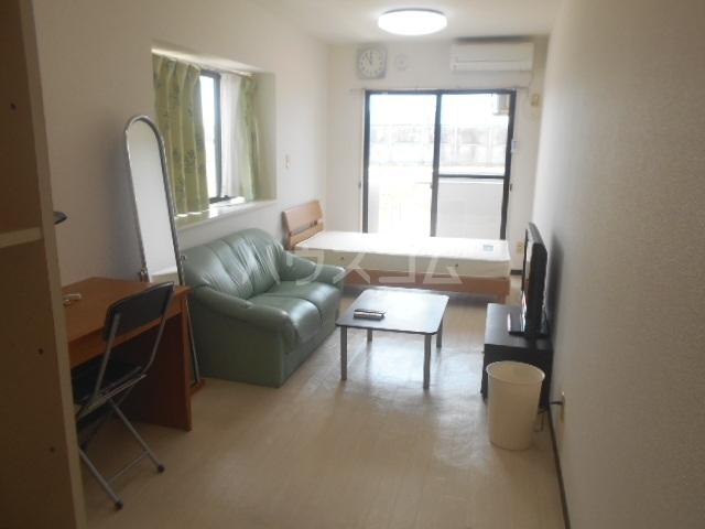 アップル第1マンション 308号室のリビング