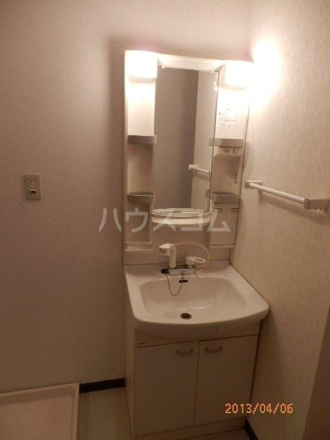 ヤマキチ館 420号室の洗面所