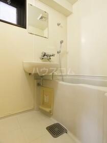 ダイナコート六本松2 802号室の洗面所