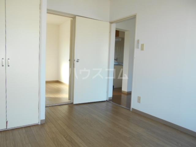 加藤マンション 306号室のリビング