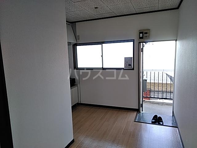 ラ・ヴィータ・フェリーチェ宇都宮 202号室のリビング