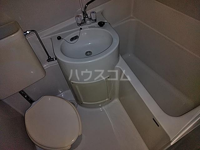 ローレル国領 2A号室の風呂