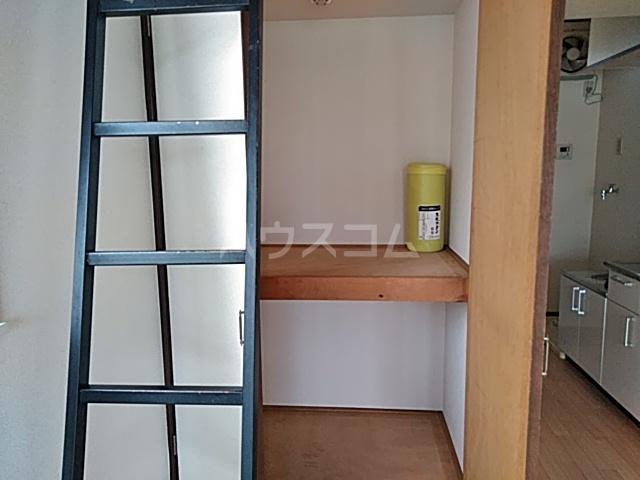 ローレル国領 2A号室の収納