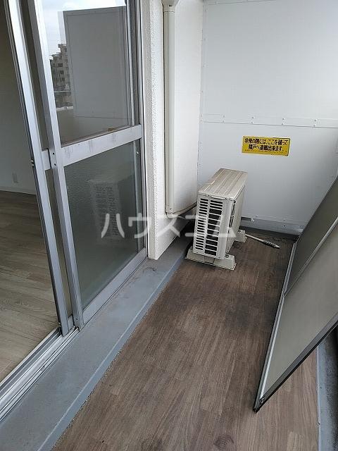 サンパレス植田 405号室のバルコニー