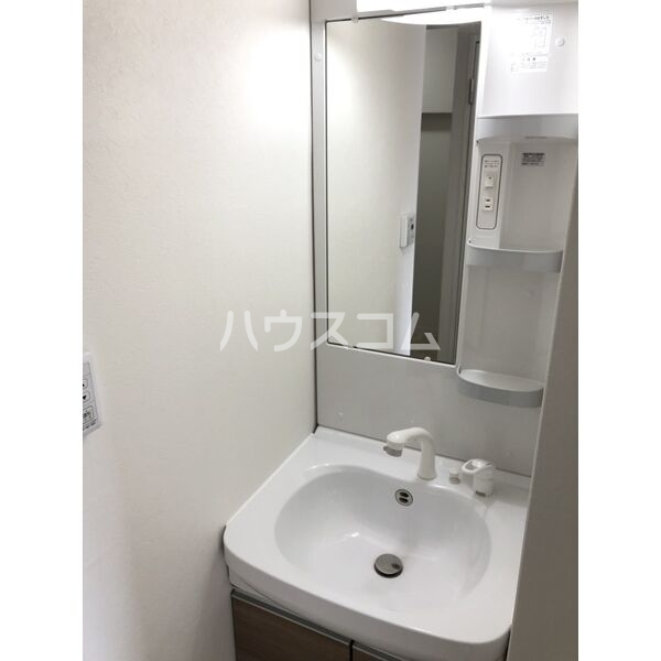 サンパレス植田 405号室の洗面所