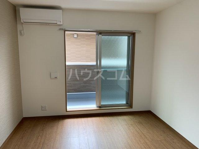 リコルテ sanburaitonesu 302号室のリビング