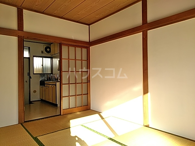 トモエハイツ 101号室の居室