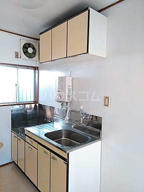 トモエハイツ 101号室のキッチン