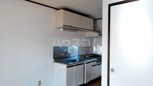 フローラルハウス 102号室のキッチン