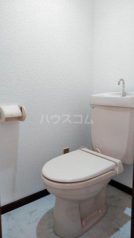 フローラルハウス 102号室のトイレ